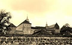 Inger-Johanne Marheim - Historiske streker