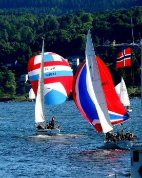 For fulle seil - Helge Hagerup